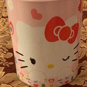 Hello Kitty Tin Bank